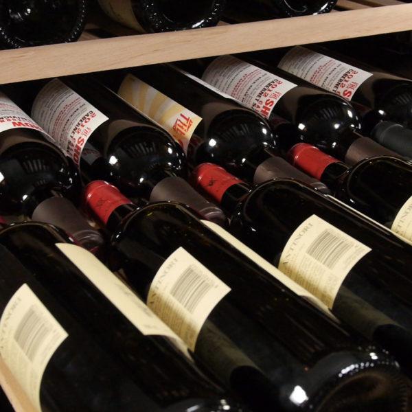 Magnum Cellars - cellier 181 bouteilles - 181 bottles wine cabinet - detail shelves