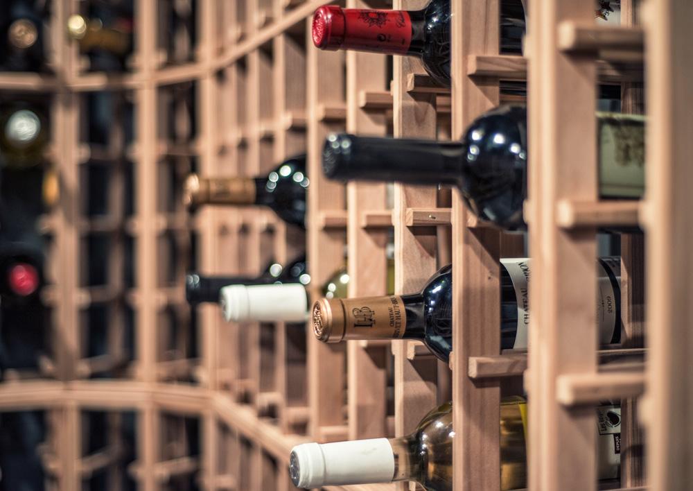 Cave à vin Outremont wine vault - bouteilles details bottles
