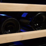 Magnum Cellars - cellier 46 bouteilles - 46 bottles wine cabinet - detail shelves